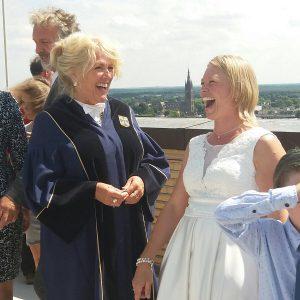 unieke-trouwambtenaar-marian-van-veluwen