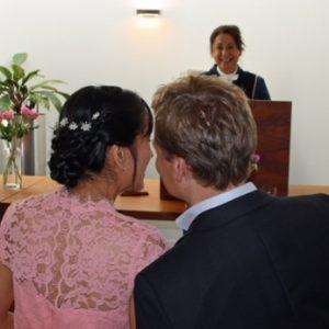 trouwambtenaar-jacqueline-stout-trouwt